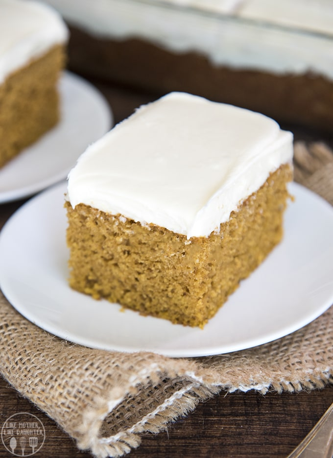 the best pumpkin spice cake with the perfect fall flavor and topped with a smooth cream cheese frosting!