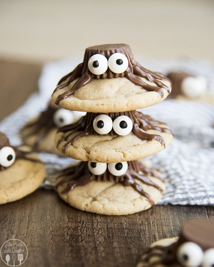 Adorable and delicious Halloween Spider Cookies