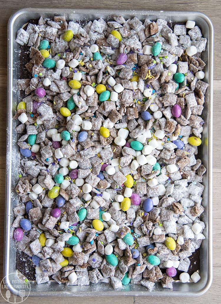 Easter Muddy Buddies are the perfect twist on this chocolate peanut butter treat!