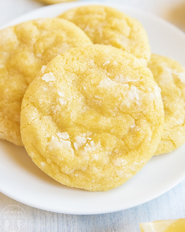 A tart and sweet lemon cookie