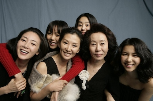 Featured image for post: Reality and fiction intertwine in E J-yong's deliciously amusing fake documentary Actresses