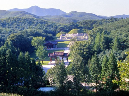 Featured image for post: Photos of King Taejo's tomb in Kaesong
