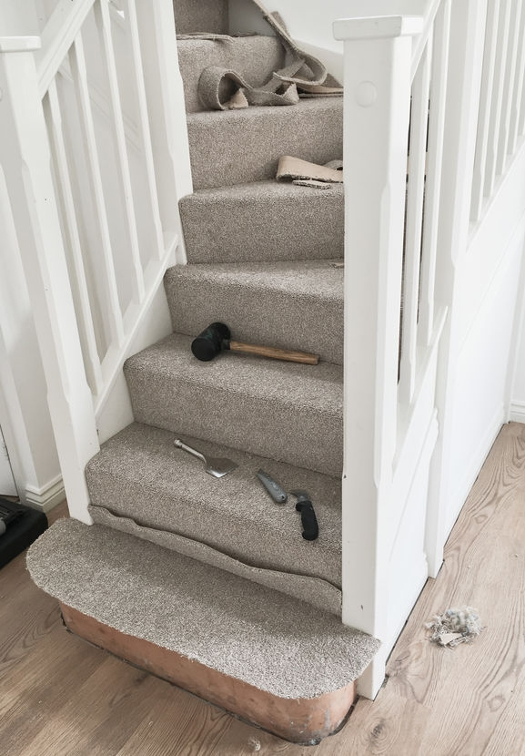 How To Lay Carpet On Stairs And Landing Lt Flooring   Putting Carpet On Stairs   Design   Wear And Tear   Commercial   Stair Turned   Step