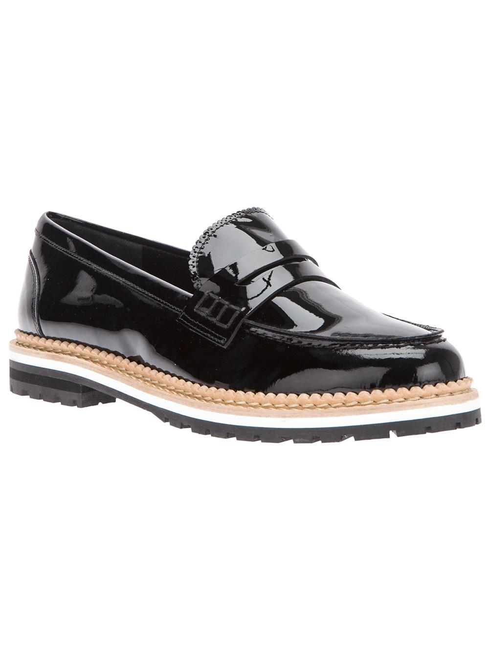 Chloe Grace Moretz Leather Slip On Shoes Vs Delphine