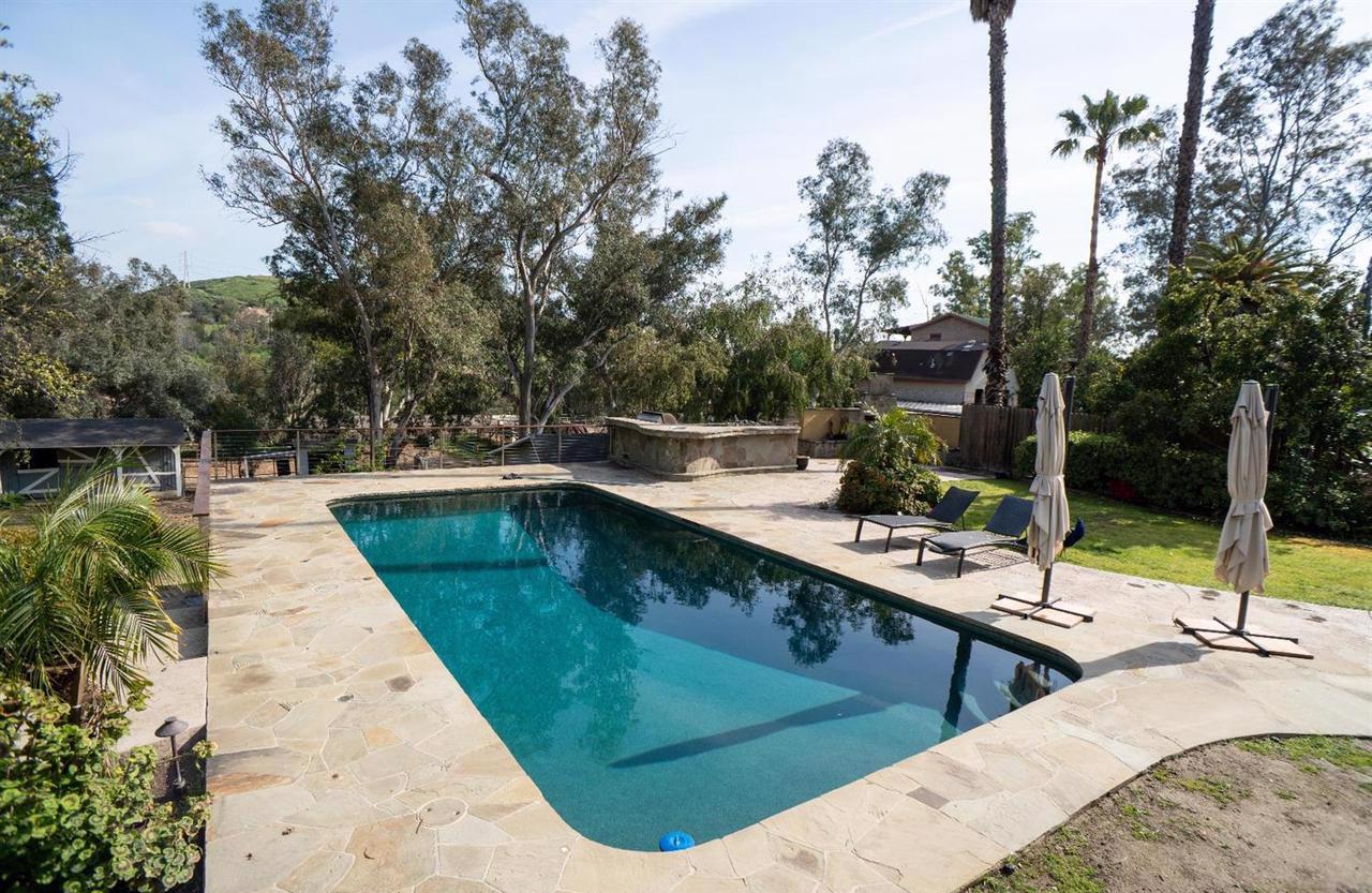Beautiful Equestrian Estate In Shadow Hills California