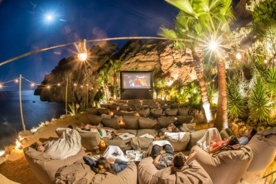Stellar views of the beach, bean bags, cocktails and more ...