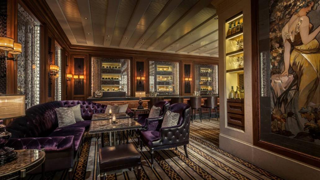 Review Four Seasons Hotel Hong Kong A Classic Five