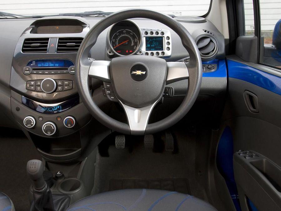 Chevrolet Spark Hatchback 2010 Review Auto Trader Uk