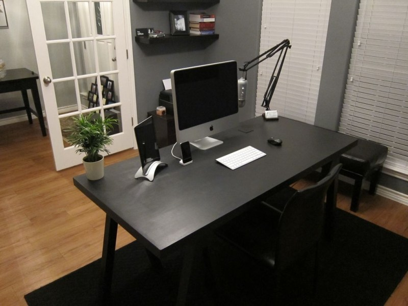 Jordan Patterson s Desk   Mac Desks black desk