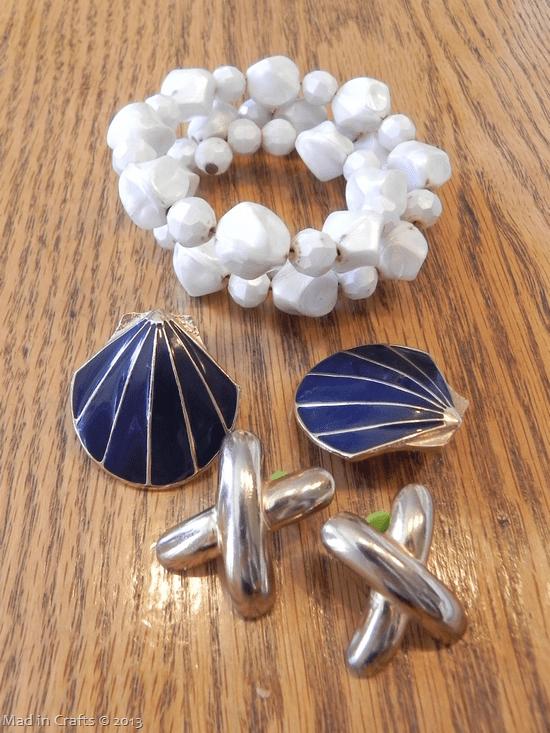 thrift-store-jewelry_thumb2