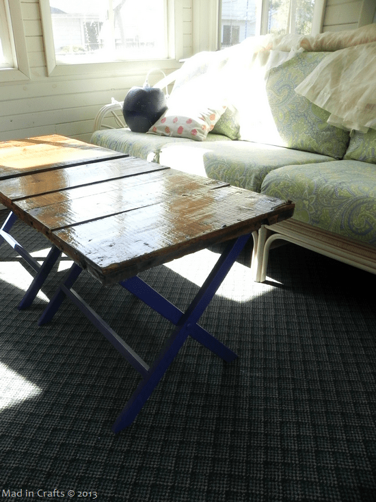 upcycled-crate-coffee-table_thumb1