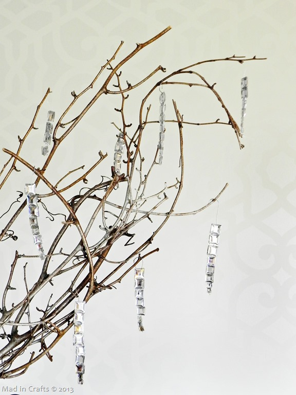 branch-with-icicle-ornaments_thumb3