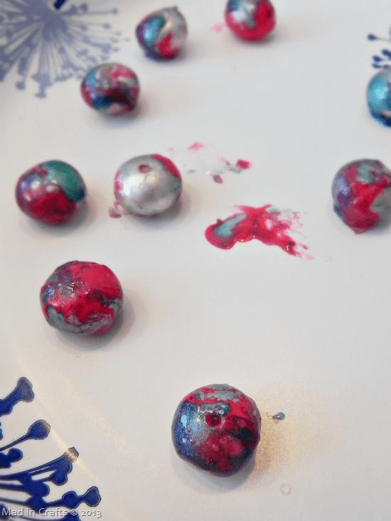 nail-polish-marbled-beads_thumb2
