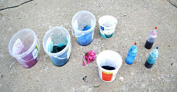 Buckets of dyeing cloth
