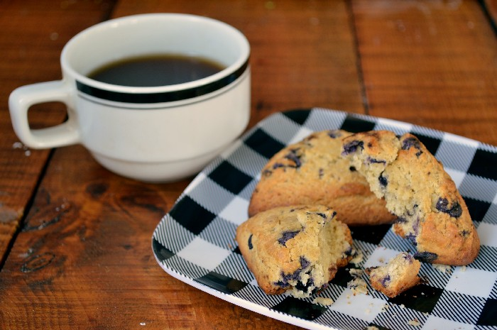farm-rich-blueberry-scones