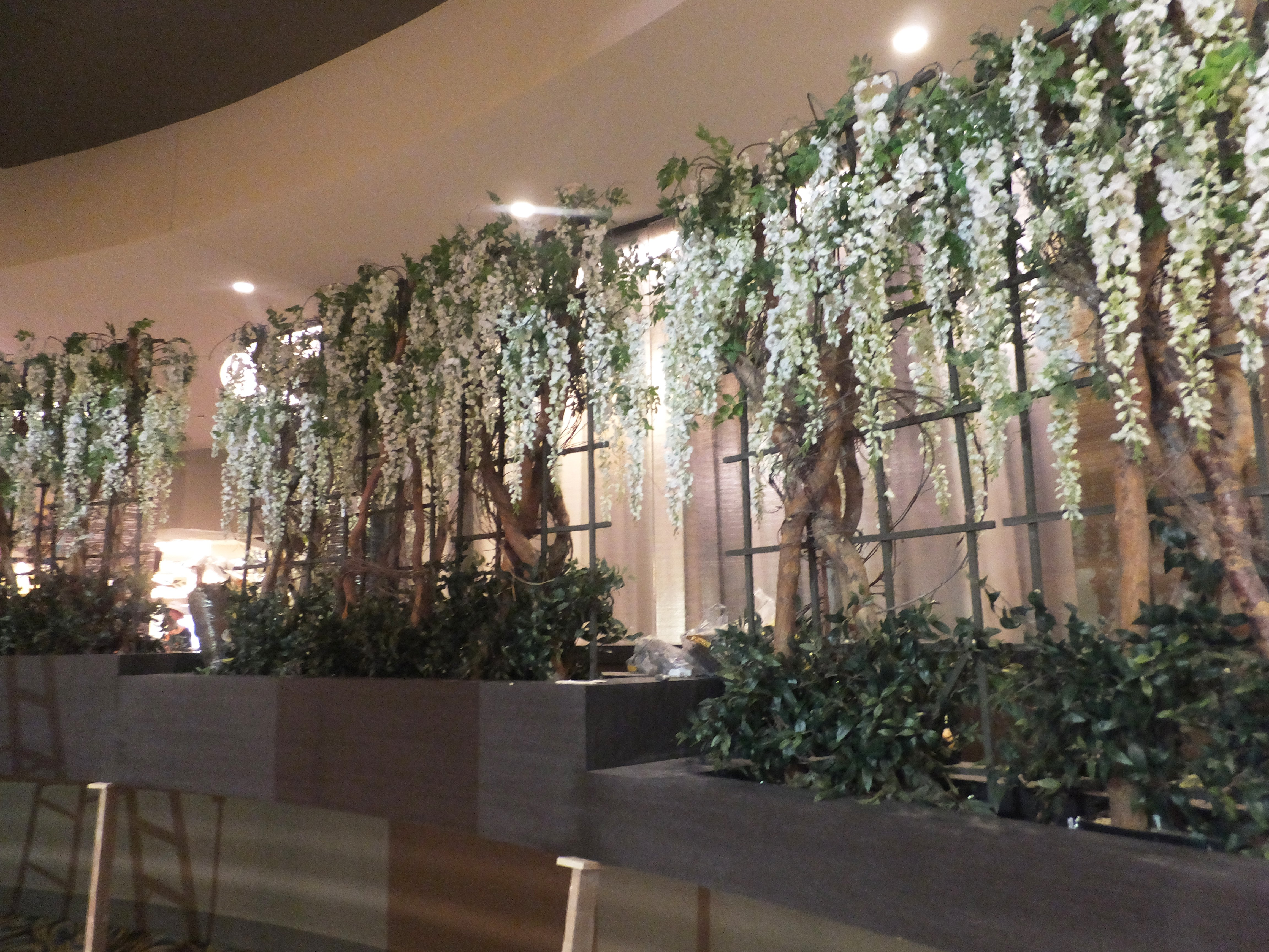 Interior Design  Faux Foliage  Silk Plants  Flowers and Trees   Make     Hawaiian Gardens casino