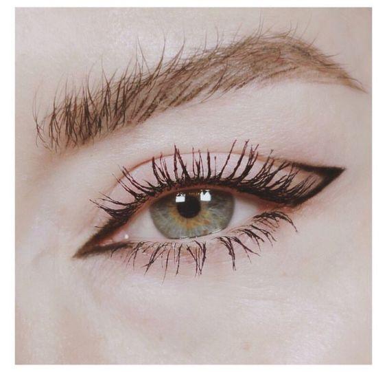 Anak panah asal dalam solek mata
