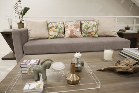 How to Change the Look of Your Living Room With Throw Pillows     If you are one of those that can t sit still always wanting to create  something new or see something different at home  then this simple styling  tip will be
