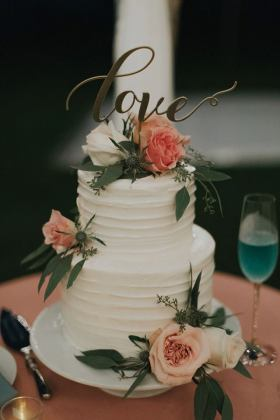 5 Amazing Wedding Cake Trends for the Summer   Ke Nui Kitchen     Adding flowers to cakes is gaining popularity  and for a good reason  It s  an easy way to make a simply dressed cake more eye catching