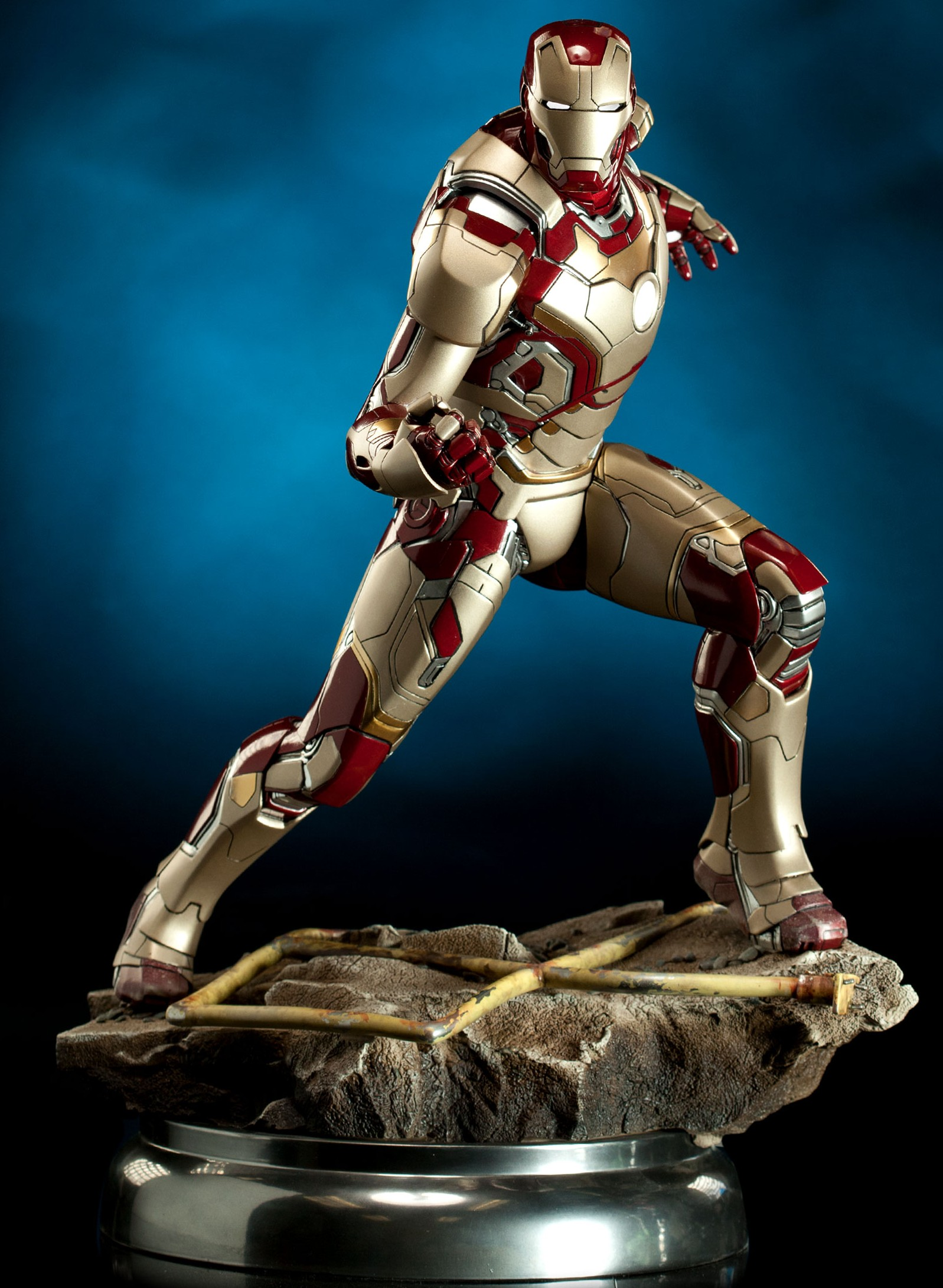 Sideshow Iron Man Mark 42 Maquette Photos & Order Info ...