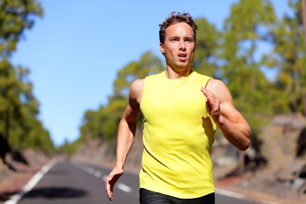 برای تقویت ریه ها، می توانید بالن ها را افزایش دهید. این یک روش شناخته شده برای آموزش تنفس است، اغلب توصیه می شود که بیماران و افراد مبتلا به ریه های ضعیف باشند. ورزش باعث تقویت دیافراگم می شود، ریه ها را توسعه می دهد، باعث تنفس عمیق تر می شود. بسیاری از تکنیک های تنفسی مفید را می توان از یوگا یاد گرفت. گاهی اوقات چنین شیوه ای برای آموزش استفاده می شود: نفس کشیدن عمیق (Exhale) و تاخیر به سرعت انجام حداکثر تعداد squats، پیوست ها و یا pushups.
