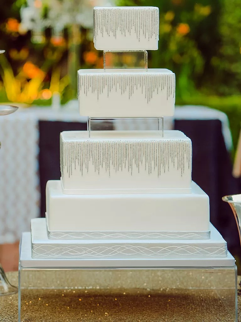 18 Wedding Cakes With Bling That Steal the Show Modern Square Wedding Cake With Crystal Bling