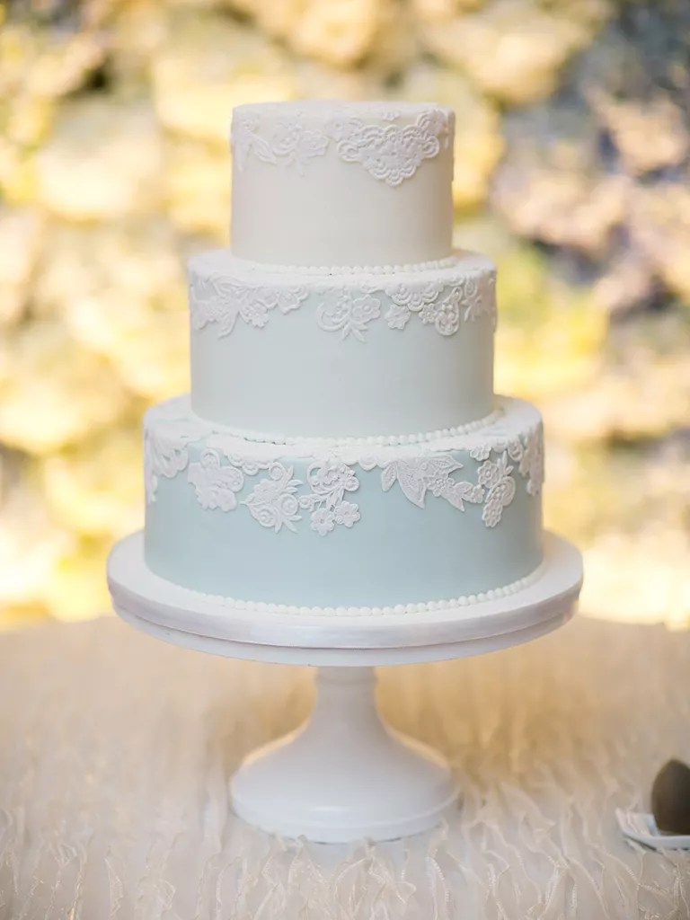 Simple and Unique Wedding Cake Inspiration Blue pastel ombr     simple wedding cake