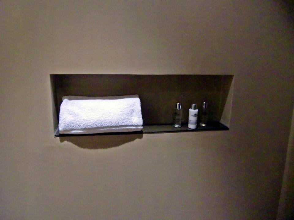 """""""Ablage in der Dusche"""" Hotel Teatro (Porto) • HolidayCheck (Região Norte/Region Nord Portugal)"""