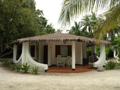beach bungalow - Picture of Velidhu Island Resort ...
