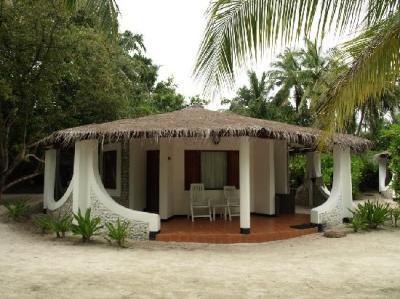 beach bungalow - Picture of Velidhu Island Resort ...