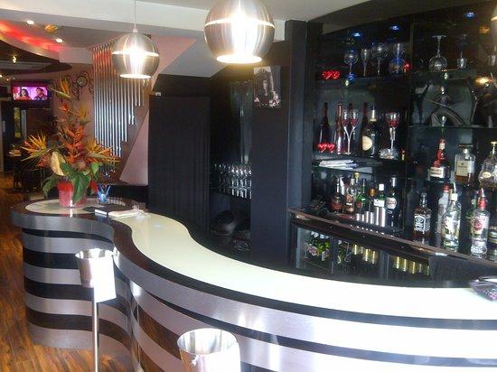 Family Restaurants Near Drayton Manor