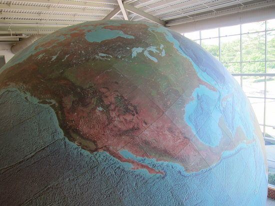The Whole Earth   Review of DeLorme Map Store and Company  Yarmouth     DeLorme Map Store and Company