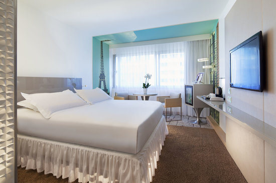 MERCURE PARIS VAUGIRARD PORTE DE VERSAILLES HOTEL   Updated 2018     MERCURE PARIS VAUGIRARD PORTE DE VERSAILLES HOTEL   Updated 2018 Prices    Reviews  France    TripAdvisor