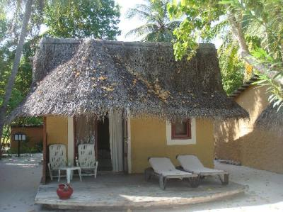 Beach Bungalow 414 - Picture of Kuredu Island Resort & Spa ...