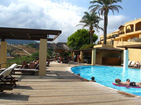 Pool Amp Beach Bed Side Resort Golf Sandestin Spa Hilton King