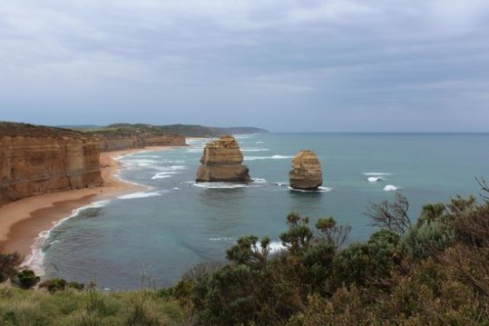 Foto de Twelve Apostles  Princetown  12 Apostles Map   TripAdvisor Twelve Apostles  12 Apostles under a cloudy weather