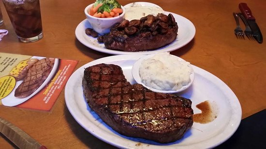 Oz Texas Chop Steak Roadhouse 10