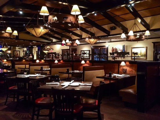 Interior Of Hickory S Longhorn Steakhouse Picture Of