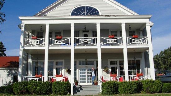 Thunder Bay Inn