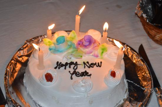 New Year Cake   Picture of Ra Hotel  The Himalayan Paradise  Manali     Ra Hotel  The Himalayan Paradise  New Year Cake