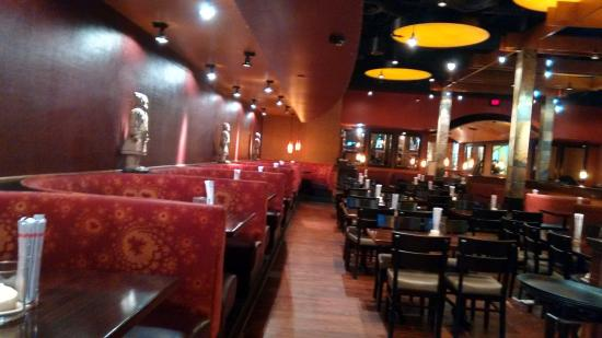 Interior del restaurant    Picture of P F  Chang s  Troy   TripAdvisor P F  Chang s  Interior del restaurant
