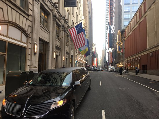 nyc rich limo - 550×413