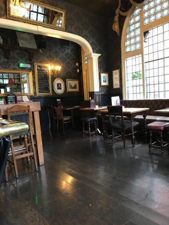 Traditional pub interior   Picture of The Shakespeare Inn     The Shakespeare Inn  Traditional pub interior