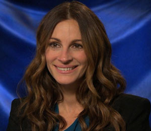 Extra Raw Julia Roberts Dishes On Being The Evil Queen