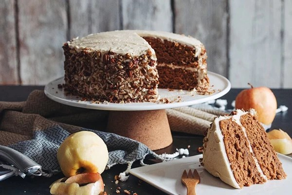 Healthy Apple Cinnamon Cake