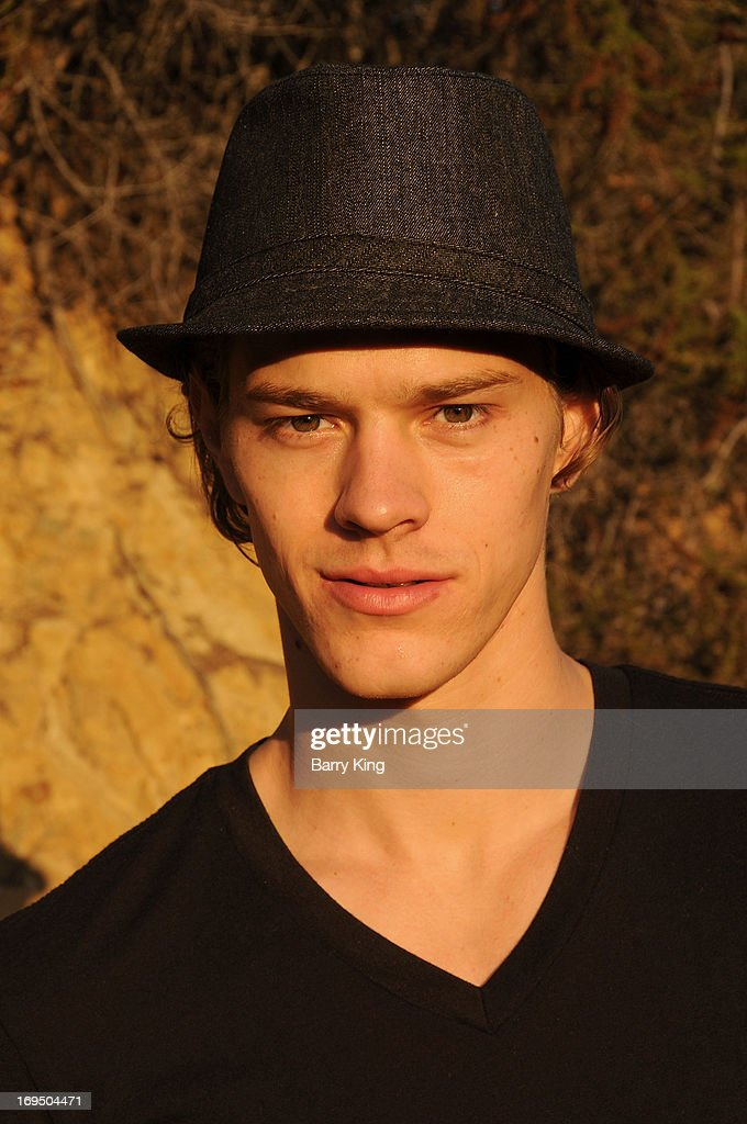 Actor/model Ryan Dorsey poses during an exclusive photo ...