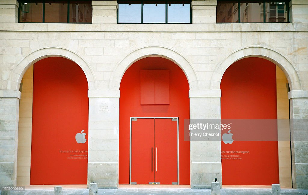 Apple Store Pictures and Photos   Getty Images Apple announces new store in Marche Saint Germain and the opening date on  custom barricade on