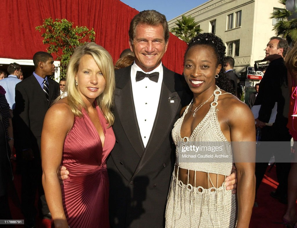 Joe Theismann Premium Pictures, Photos, & Images - Getty ...