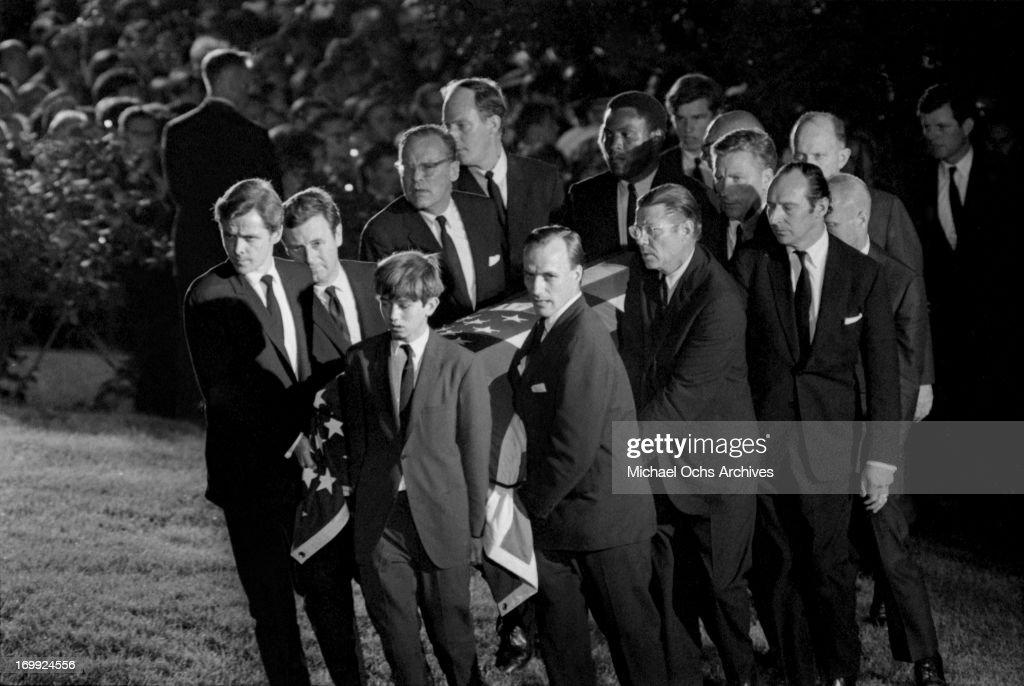 Pallbearers carry the coffin of Senator Robert Kennedy to ...