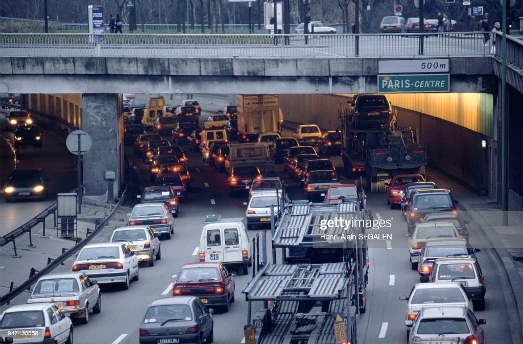 Porte Saint Cloud Stock Photos and Pictures   Getty Images the west beltway packed at the level of Porte de Saint Cloud Paris  p    riph    rique ouest satur